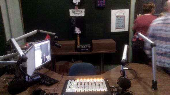 Brisbane 4ZZZ broadcasting studio