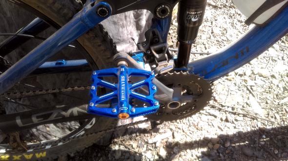 Avanti Torrent flat pedals