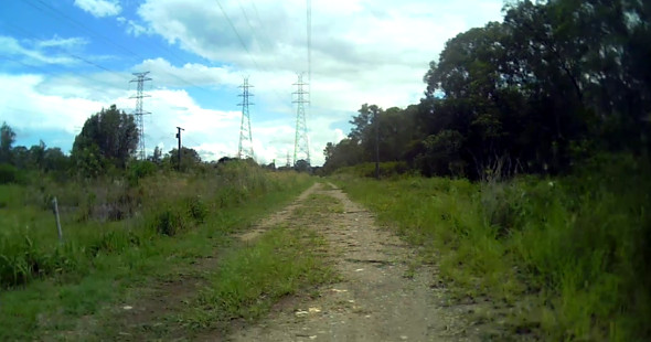 Gravel road along the Bulimba Creek Bikeway